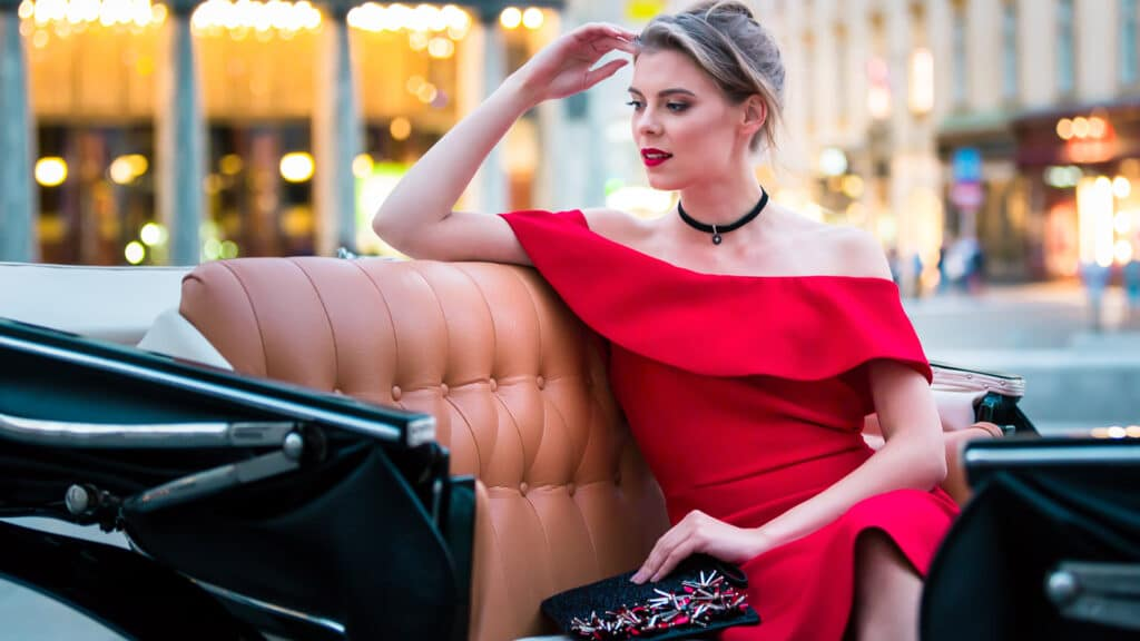 Rotes Kleid Kutsche